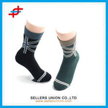 2015 new design national flag pattern colorful sports socks for teenagers