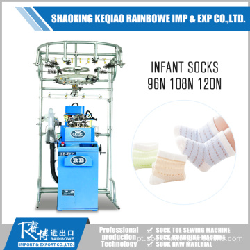 Little Baby Wearing infante Sock Making Machine