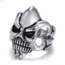2018 Großhandel billig Punk Vintage graviert Schädel Ring für Männer