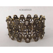 Retro Bracelet with Engraved Lines and Gems