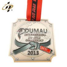 Medalla de jiujitsu de metal medallón DUMAN personalizado con cinta roja