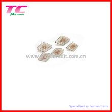 Kundenspezifische spezielle Form Zink-Legierungs-Nähknopf, Schaft-Knopf