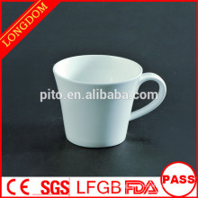 2014 hot sale porcelain tea cup with hand