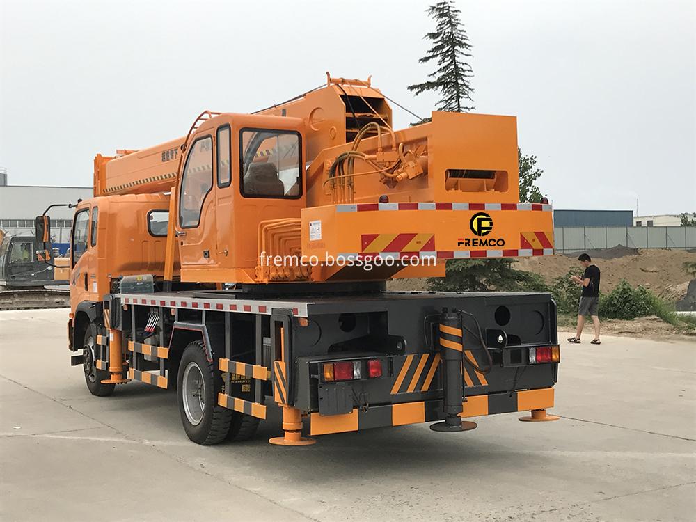 Sinotruk Chassis Truck Crane