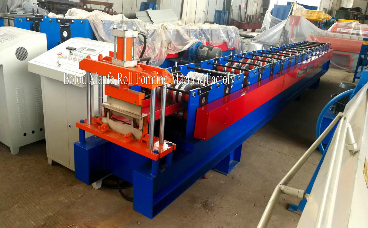 Self lock metal roll forming machine