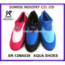 SR-12MA038 Neueste Männer Neopren Surfen Schuhe Kunststoff Strand Schuhe Aqua Wasser Schuhe Wasser Schuhe Surfen Schuhe