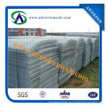 Hochwertiger kohlenstoffarmer Stahldraht geschweißter Maschendraht / quadratisches Loch galvanisierter geschweißter Maschendraht