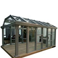 Chambre de luxe en verre avec cadre en aluminium et solarium