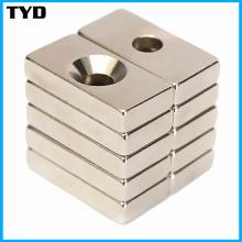 N42 Magnet Super starker Block NdFeB Magnet mit Senkung Löcher
