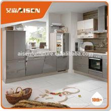 Excelente cozinha de cozinha diretamente com espaço para cozinha