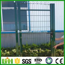 Hot Sale Nouvelle porte de clôture de fer de conception / porte de clôture rétractable / porte de clôture de fil