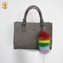 Rainbow Colors Faux Fur Tail Keychain para o charme do saco