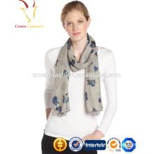 Bedruckter Schal aus Kaschmir / Seide