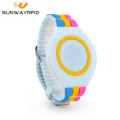 UHF 860-960MHz Adjustable Tahan Air Silikon RFID Wristband