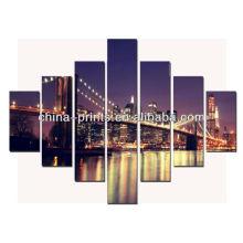 Opinião bonita da noite da cidade da ponte de Brooklyn Impressão De Canvas Envolvida