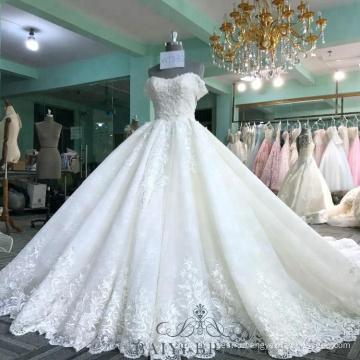 Белое Пятно Бальное Платье Свадебные Платья Паффи Бисероплетение С Плеча Длинный Шлейф Императорской Последний Свадебные Платья Дубай