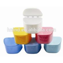 Soem ist vorhandener Prothesen-Kasten / Halter-Kasten / zahnmedizinischer Fall