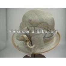Nueva sombrerería sinamay iglesia sombrero con plumas