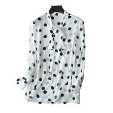 Femmes 2017 nouveaux chemisiers 100% pure soie à poitrine unique avec noeud papillon rond point décor mince blouse