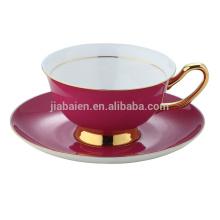 Tasses et soucoupes en porcelaine couleur en porcelaine