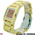 Top-Qualidade Bordo De Bambu Quadrado De Madeira Relógios De Quartzo Relógios Hl10