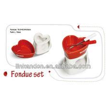 KC-00398 / jeu de fondue en céramique / couleur rouge / forme du coeur