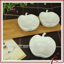 Porcelana aperitivo plato con bambú en forma de manzana