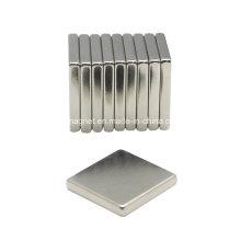L203 Aimant de haute qualité carré de 20 mm de terre rare