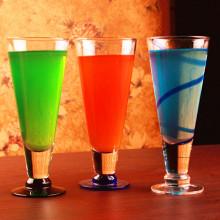 Sans plomb V Shape Party Cup Coupe en verre Coupe à jus Coupe en verre à cocktail
