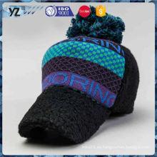 El embalaje fuerte vendedor caliente embroma la ejecución fina de los sombreros del invierno animal