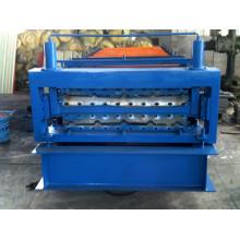 Machine de formage de rouleaux de tôle d'acier ondulée