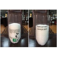 Le plastique tiennent le sac biodégradable avec la tirette