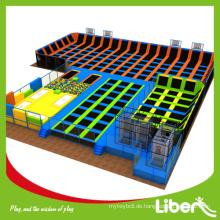 Fertige geplante riesige gymnastische trampoline für park mit professionellen trampolin matten an