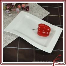Plat rectangulaire en céramique en céramique blanche pour la nourriture