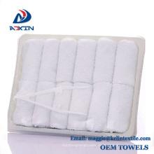 26 x 26 cm Weiße Farbe Einweg Feature Flight Handtuch in Tablett 26x26 cm Weiße Farbe Einweg Feature Flight Handtuch in Tray