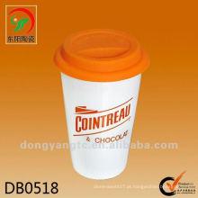 Isolar caneca de café cerâmica de parede dupla quente com tampa de silicone