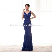 dentelle bleue rangée de fleurs perspective licou robe de soirée