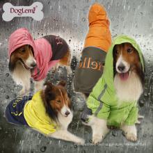 Heißer verkaufender Großhandelshunderegenmantel-wasserdichte Haustier-Mantel-Kleidung tragbar