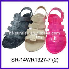 Nouvelles sandales pieds nus nouvelles sandales à la gelée pvc sandales plates à la gelée claire