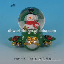 Lovely snowman shape resin custom snow globe