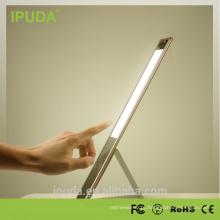 A tabela de toque de IPUDA 6w conduziu o interruptor do toque do candeeiro de mesa e o corpo de alumínio do redutor do toque