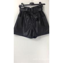 Shorts de papel de imitación de cuero de cintura alta