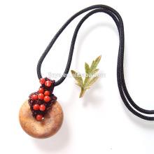 Mão Crochet Natural Coral Vermelho Natural Shell Jade Colar