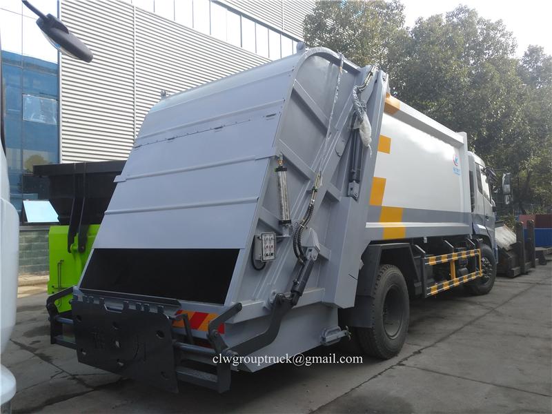 Compressing Truck 5