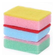 Platos limpios de esponja