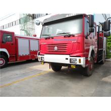 Camion de pompiers à eau 5 tonnes HOWO 4X4 en forêt