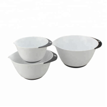 Nesting Plastic Mixing Bowls with Rubber Grip Handles
