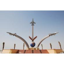 Acero inoxidable metal avión escultura para el monumento al aire libre