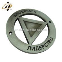 Perno plateado plata antigua al por mayor de alta calidad de la solapa del imán del material de encargo del hierro