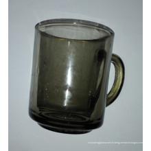 Tasse en verre avec couleur Tumbler de haute qualité Kb-Hn07175